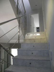 Em2 - Construcción Viviendas de Diseño - San Miguel - Casa Unifamilar - Reformas de Interiores e Instalación de Escaleras