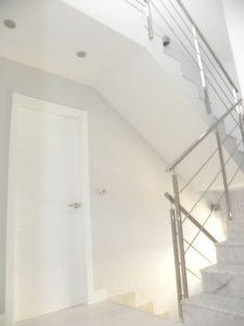 Em2 - Construcción Viviendas de Diseño - San Miguel - Casa Unifamilar - Reformas de Interiores y Escaleras