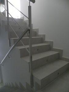 Em2 - Construcción Viviendas de Diseño - San Miguel - Casa Unifamilar - Reformas de Exteriores, Escalera