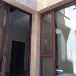 Construcción Viviendas de Diseño - Raúl Pérez - Casa Unifamilar - Fachada de Interior y Patio