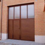 Construcción Viviendas Convencionales - Andrés Casado - Casa Unifamilar - Puerta Garaje