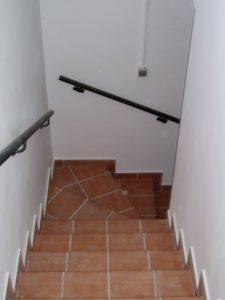 Construcción Viviendas Rústicas - Meseta - Casa Unifamilar - Casa Rústica Escalera