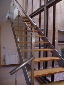 Em2 - Construcción Viviendas de Diseño - Javier Ramos - Casa Unifamilar - Reformas de Interiores de Viviendas - Escalera