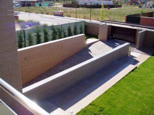 Em2 - Construcción Viviendas de Diseño - Javier Ramos - Casa Unifamilar - Reformas de Exteriores - Jardín