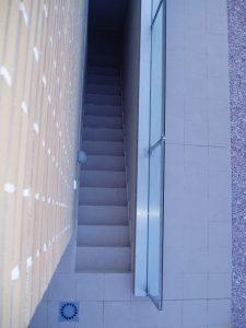 Em2 - Construcción Viviendas de Diseño - Javier Ramos - Casa Unifamilar - Reformas de Exteriores - Escalera