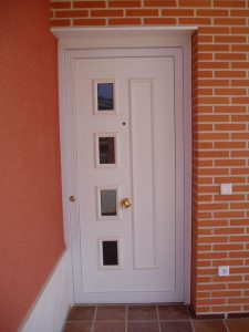 Construcción Viviendas Convencionales - Ángel García - Puerta de Entrada de Casa